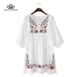 2016 spring summer new style fashion ladies V neck vintage Boho ethnic embroidery oversized white dresses with batwing sleeve