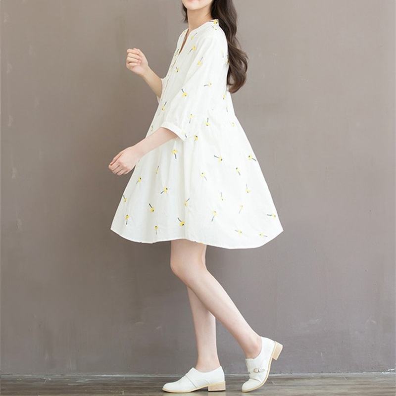 Autumn Dress White Color Embroidery Flower Plus Size Women Dress V ...